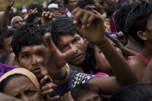 रोहिंग्या मुसलमानों के शिविर के लिए मुफ्त जमीन देगा बांग्लादेश