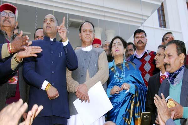 CM जयराम बोले-देश की रक्षा में सेना का सबसे अधिक योगदान