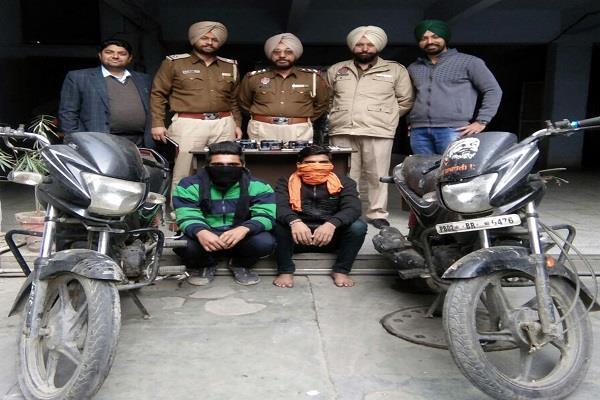 चोरी की वारदातों को अंजाम देने वाले 2 गिरफ्तार