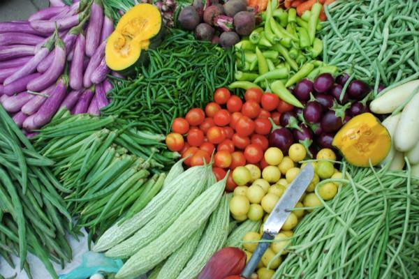 लोगों को राहत, सब्जियों के दाम गिरे