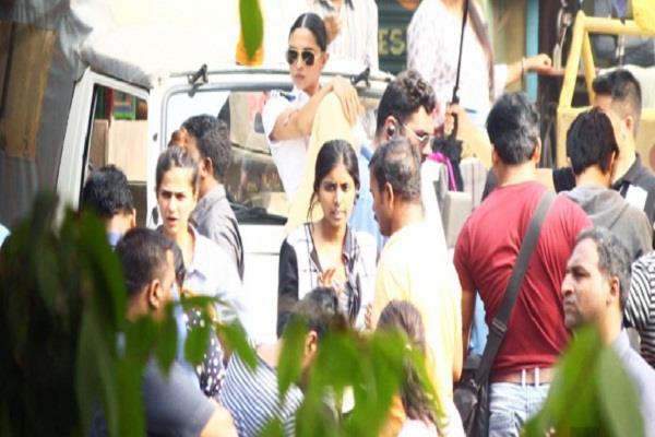deepika padukone made traffic police