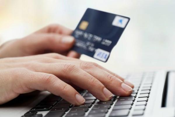 नए साल में डेबिट कार्ड से खरीदारी सस्ती, नहीं लगेगा कोई शुल्क