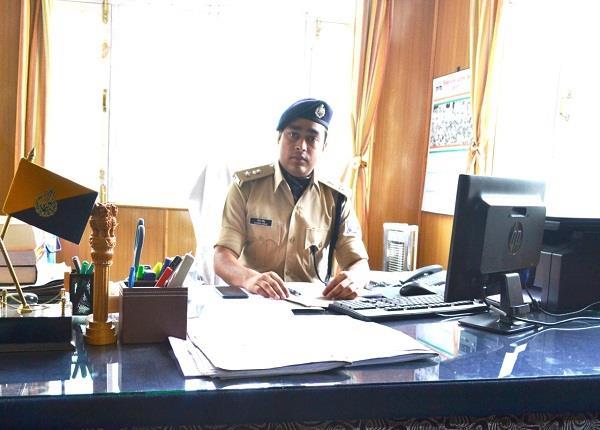 हिमाचल में सबसे कम उम्र में SP बन कर फिर बद्दी लौटे गौरव सिंह