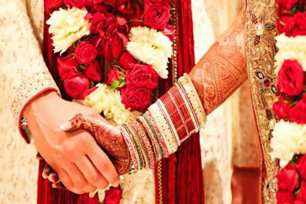 तलाक के बाद पूर्व पत्नी के लिए ढूंढा लड़का, कराई शादी