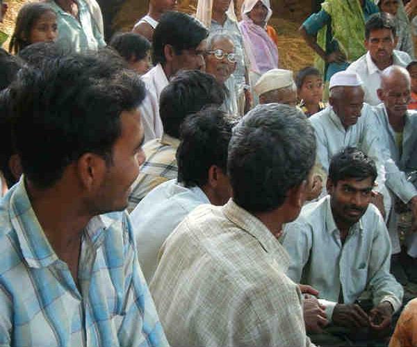 रेप पीड़िता को न्याय दिलाने के लिए बुलाई पंचायत, 80 हजार रुपए में करवाया समझौता