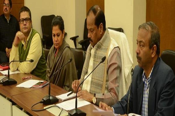 जनता के सुझावों के अनुरूप बनेगा बजटः रघुवर दास