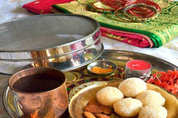 बेटों की दीर्घ आयु के लिए मन्दिरों के शहर जम्मू में मनाया जा रहा है पुग्गे का व्रत