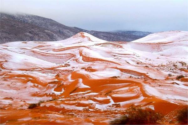 बर्फ से ढका सहारा रेगिस्तान, दिखे खूबसूरत नजारे