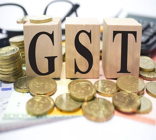 वर्ष-2017 में नोटबंदी व GST का असर रहा भारी