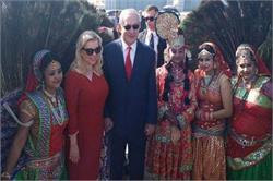 इजरायली PM ने पत्नी संग किया ताज का दीदार, योगी ने किया जोरदार स्वागत