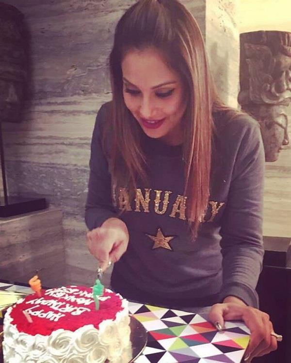 पति करण सिंह ने इस तरह किया बिपाशा को Birthday wish