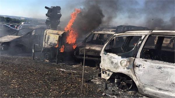 लंदन में 1400 वाहन जलकर राख