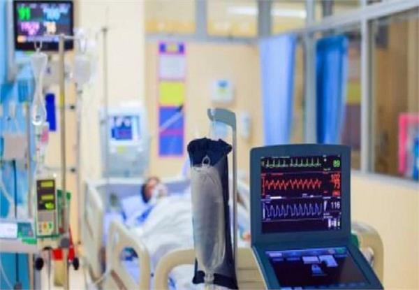 मरीज की जांच के बाद हैरत में पड़े डॉक्टर, शरीर में था सबकुछ उल्टा-पुल्टा
