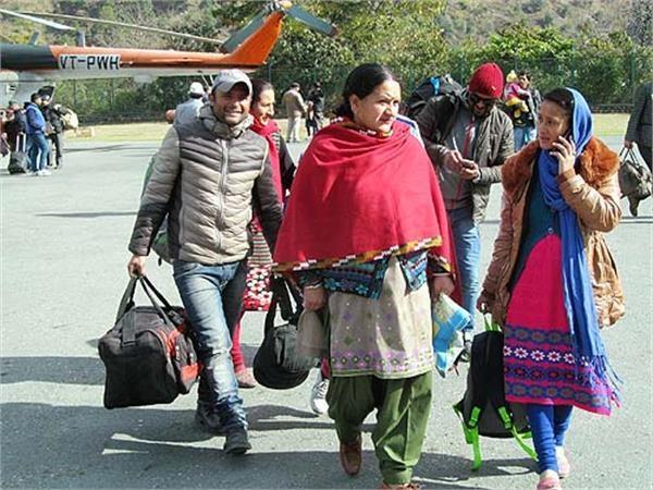 पांगी-चम्बा के बीच हुईं 2 हवाई उड़ानें, 52 लोगों ने लिया लाभ