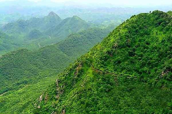 आज भी जीवित है चिरंजीवी हनुमान, इस पहाड़ पर है निवास स्थल
