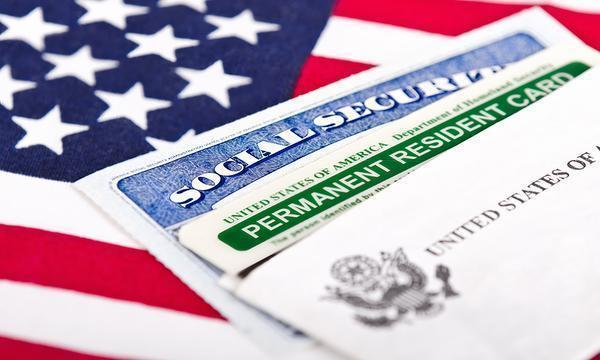 अमरीका में ग्रीन कार्ड्स संबंधित बिल पेश, 5 लाख भारतीयों को होगा फायदा