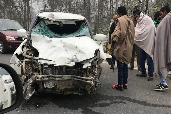 साल के पहले दिन दर्दनाक हादसा, कार अौर बाइक की टक्कर में 2 की मौत
