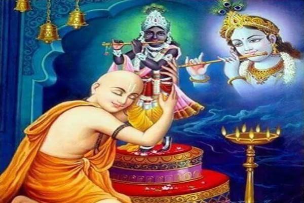 श्रीमद्भगवद्गीता: सच्चे भक्त कभी भी आध्यात्मिक सम्पर्क से नहीं होते दूर