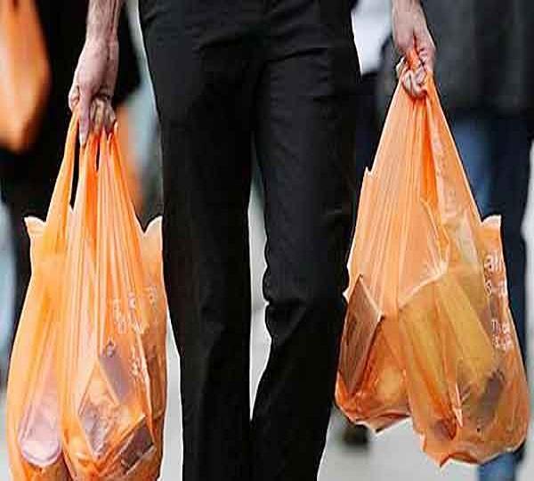 प्लास्टिक के लिफाफे बनाने, बेचने व प्रयोग करने पर होगा जुर्माना