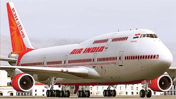 एयर इंडिया को खरीद सकती है टाटा और सिंगापुर एयरलाइंस