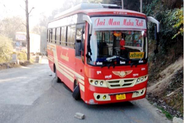 शिमला से सोलन जा रही बस दुर्घटनाग्रस्त, बाल-बाल बचे 40 यात्री