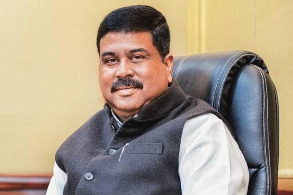 पेट्रोल-डीजल को GST के दायरे में लाने का प्रयासः पेट्रोलियम मंत्री