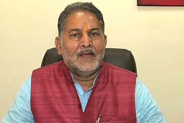 शिक्षामंत्री ने बढ़ाई स्कूलों की छुट्टियां, जानें कब खुलेंगे...