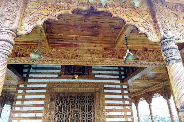 42 दिनों के स्वर्ग प्रवास पर गए देवता, देव विधि अनुसार बंद हुए मंदिर के कपाट