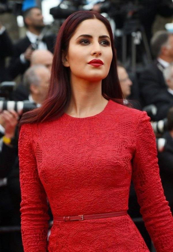 बालों को देना चाहते है नेचुरल Red शेड तो लगाएं ये हेयरपैक