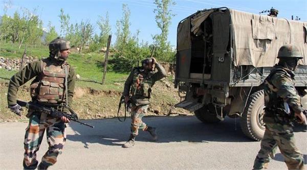 कश्मीर में लगातार तीन आतंकी हमलें, सुरक्षाबल alert