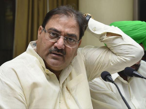 कानून व्यवस्था को लेकर अभय चौटाला ने की मुख्यमंत्री के इस्तीफे की मांग