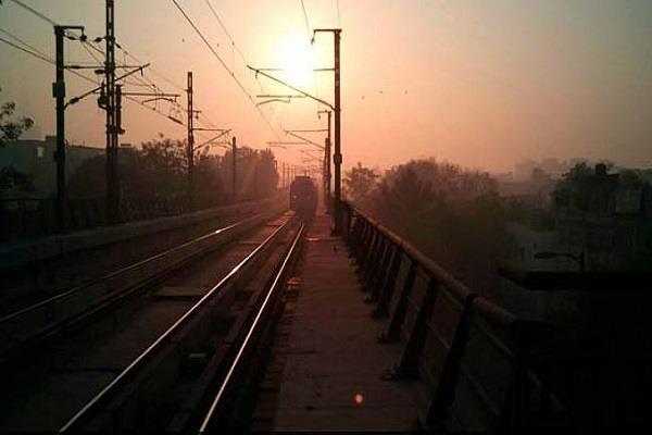 मजलिस पार्क-साउथ कैंपस खंड पर मेट्रो का ट्रायल रन