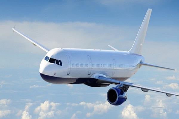 एयरलाइंज लंबी उड़ान यात्रा को आरामदायक बनाने पर कर रहीं विचार