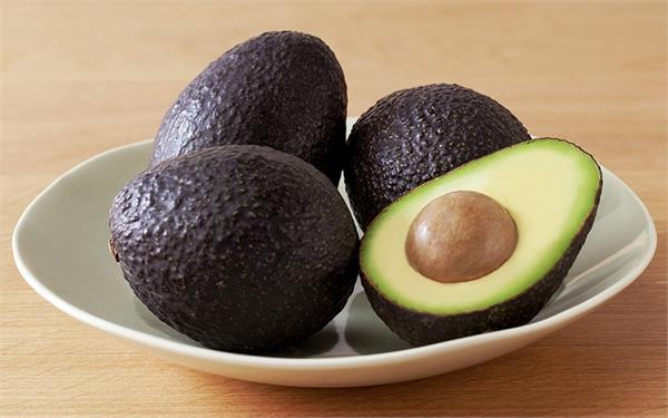 रोज खाएं 1 Avocado, मिलेंगे अनेक फायदे