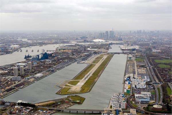 लंदन एयरपोर्ट पर WW2  बम मिलने से  मचा हड़कंप, विमानों की आवाजाई रोकी