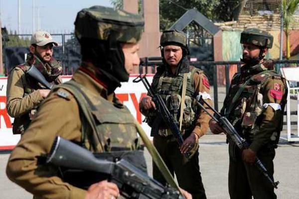 सैन्य ठिकानों पर आतंकवादियों के फिदायीन अटैक- 5 हमले, 1 जैसी स्ट्रैटजी