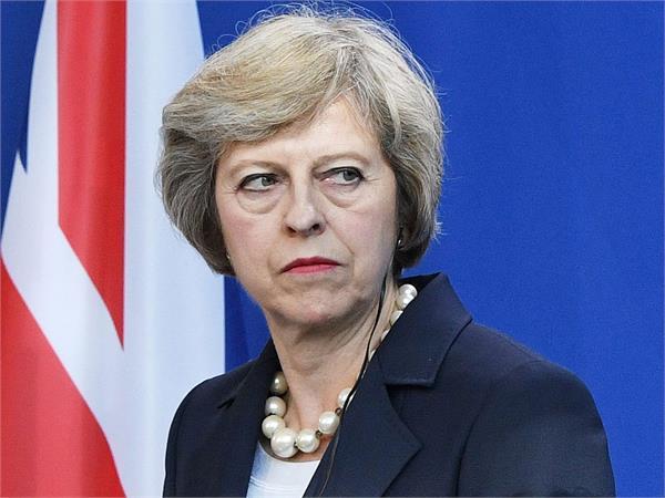 विदेशी नागरिकों और छात्रों पर बोझ बढ़ाने की तैयारी में ब्रिटेन, भारत पर भी पड़ेगा असर