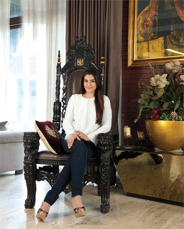 Inside Photos: आलिशान महल से कम नहीं रवीना टंडन का बंगला