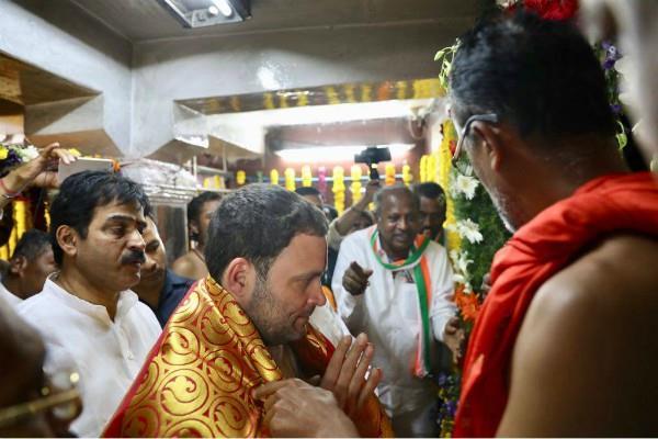गुजरात की तरह ही राहुल कर्नाटक के चुनावी दौरों में भी मंदिरों के दर्शन करेंगे