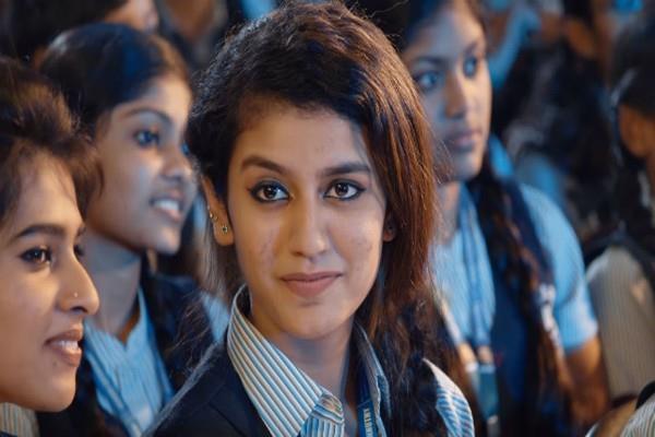 नैनों से घायल करने वाली प्रिया प्रकाश के खिलाफ FIR दर्ज