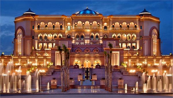दुनिया के 8 सबसे आलीशान होटल, 1 रात की कीमत जानकर हो जाएंगे हैरान