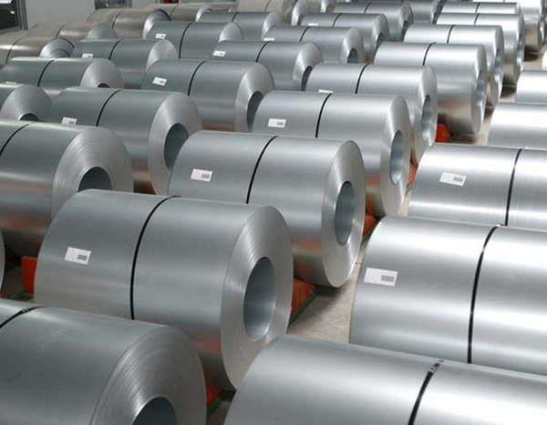 देश का कच्चा इस्पात उत्पादन 0.4 प्रतिशत गिरकर 87.7 लाख टन