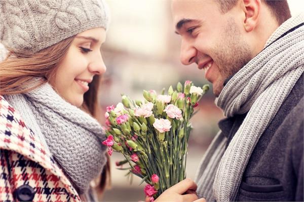 Rose Day Special: पार्टनर को इन स्पैशल तरीकों से करें विश