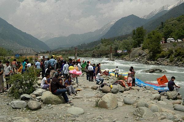 पर्यटकों के लिए सबसे सुरक्षित टूरिस्ट स्थान है जम्मू कश्मीर