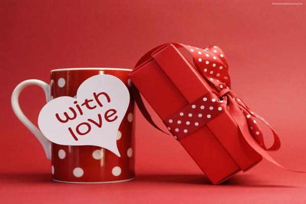 वैलेंटाइन्स डे पर अपने Love one को गिफ्ट करें ये चीज, बढ़ेगा प्यार