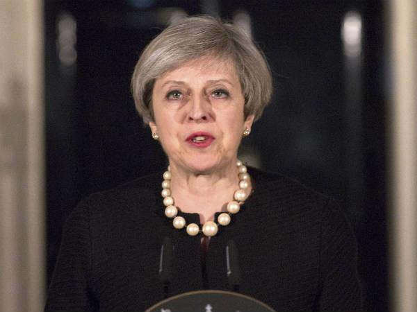 ब्रिटेन में ब्रेक्सिट सासंद रच रहे  थेरेसा मे  के खिलाफ साजिश