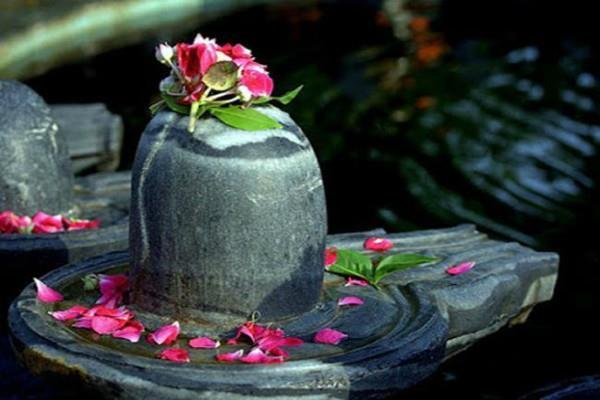 शिवलिंग स्थापित करने से पूर्व रखें इन बातों का ध्यान, वरना शुभ नहीं अशुभ फल की होगी प्राप्ति