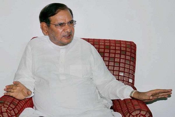 जदयू के बागी नेता का हमला, सरकार की गलत नीतियों के चलते लोकतंत्र खतरे में