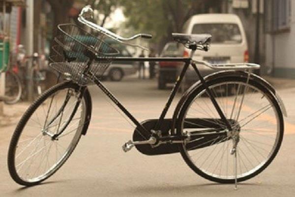 वेलेंटाइन से पहले पति को मिली उसकी खोई हुई पत्नी, 24 दिनों से साइकिल चलाकर कर रहा था तलाश