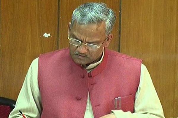 मुख्यमंत्री ने सचिवालय में की विभागवार समीक्षा, अधिकारियों को दिए कई निर्देश